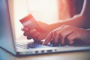 Du kan bruke kredittkortet på nett